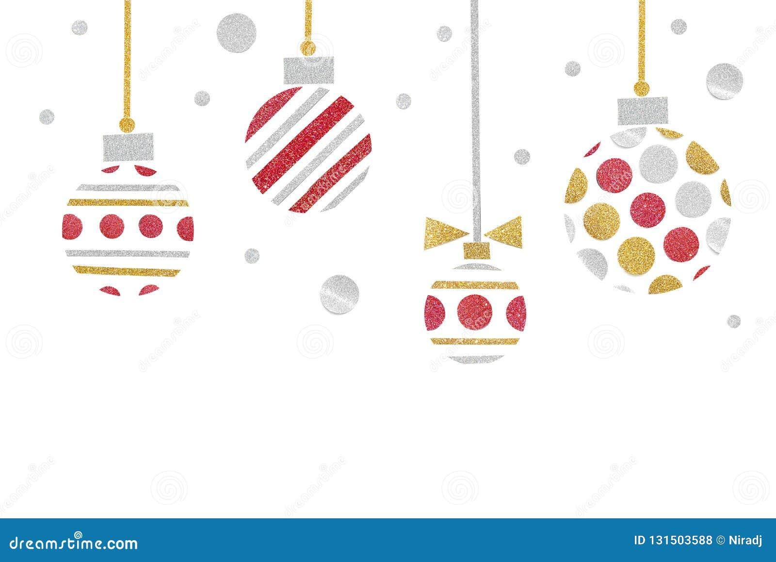 Rotes Gold und silberner Funkelnweihnachtsballpapierschnitt auf weißem Hintergrund