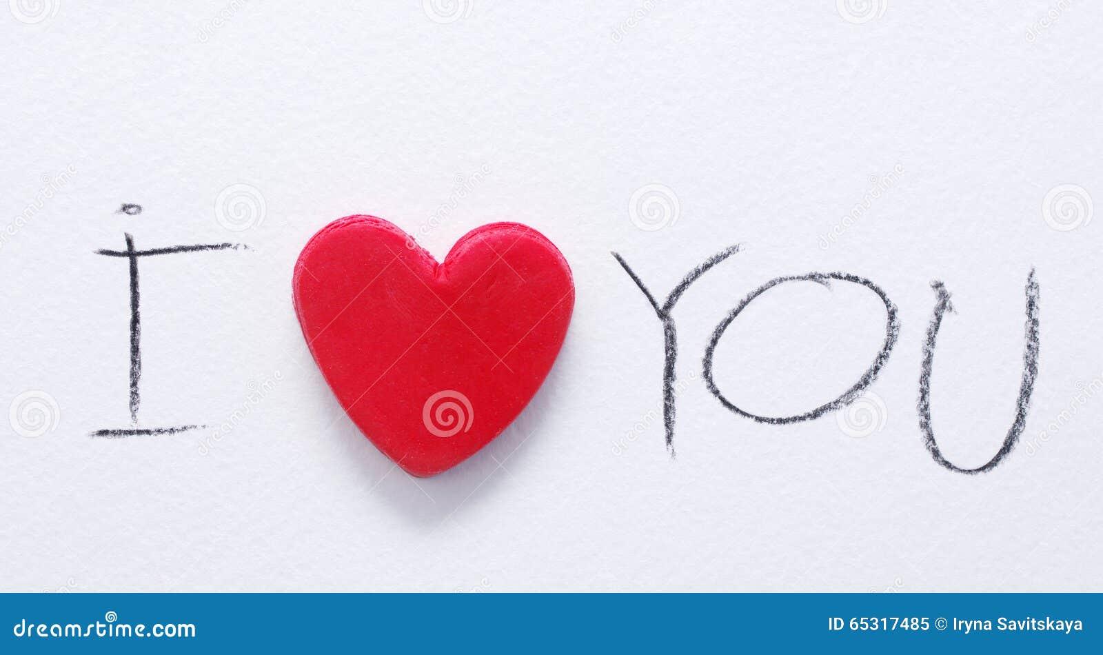 Rotes Herz Und Der Text Ich Liebe Dich, Geschrieben Durch Einen Roten  Bleistift Auf Weißbuch Romantischer Karte St. Valentinstag