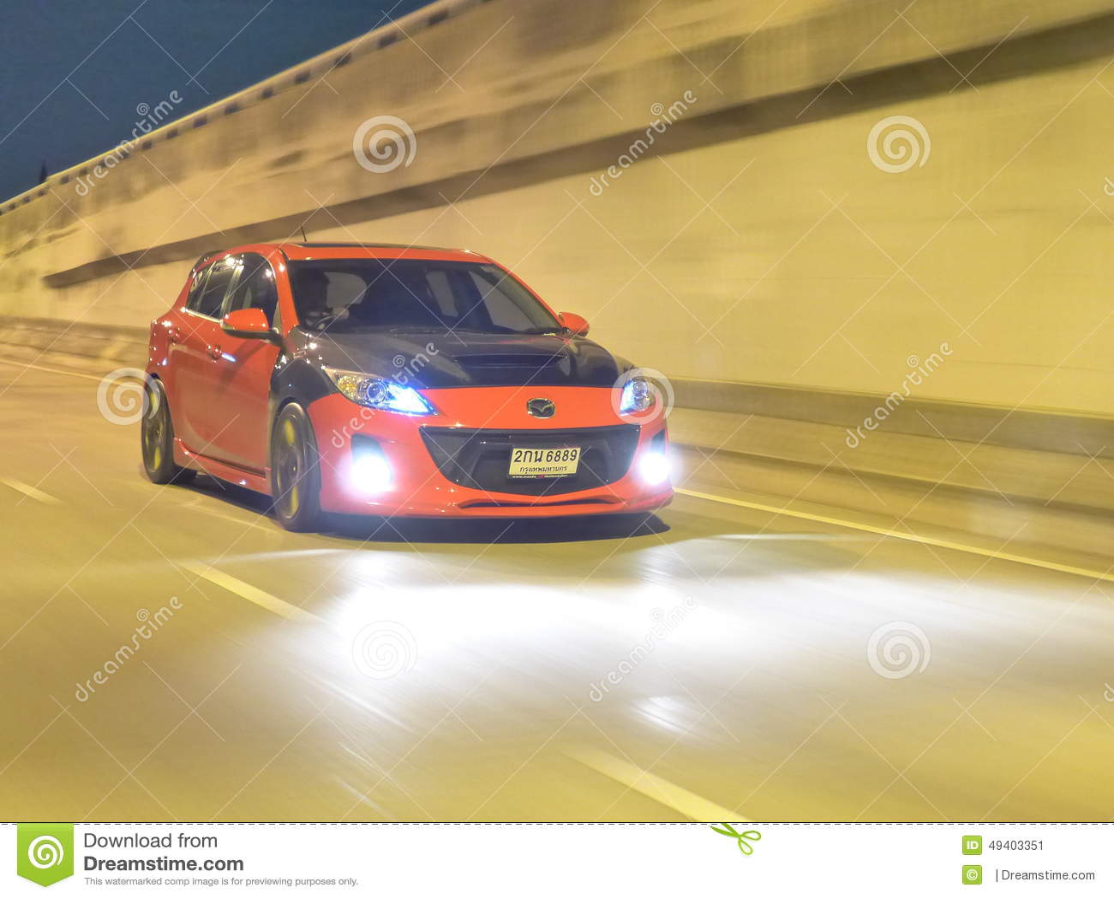 Download Rotes Mazda 3 Fertigen Besonders An Redaktionelles Foto - Bild von teile, automobil: 49403351