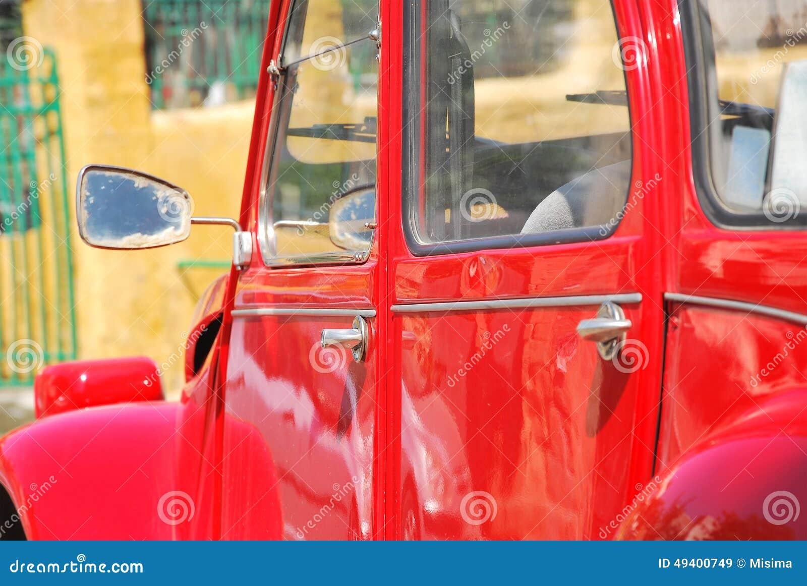 Download Rotes Retro- Auto stockbild. Bild von metallisch, verriegelung - 49400749