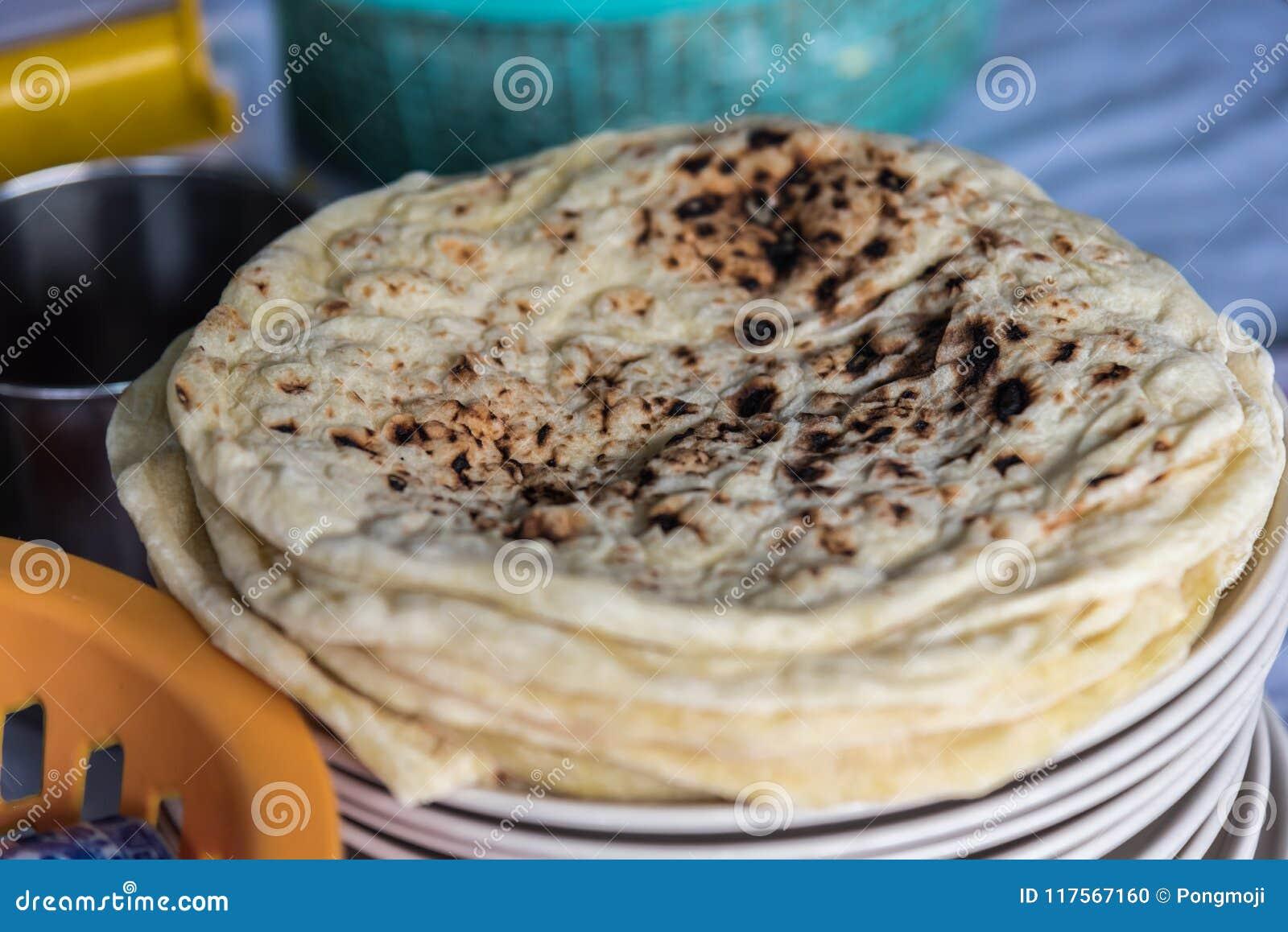 Roti, Chapatti, γιαγιά ή Naan στην αγορά τροφίμων οδών