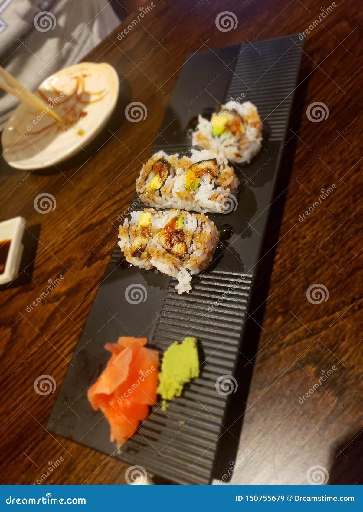 Rotolo dell anguilla dei sushi