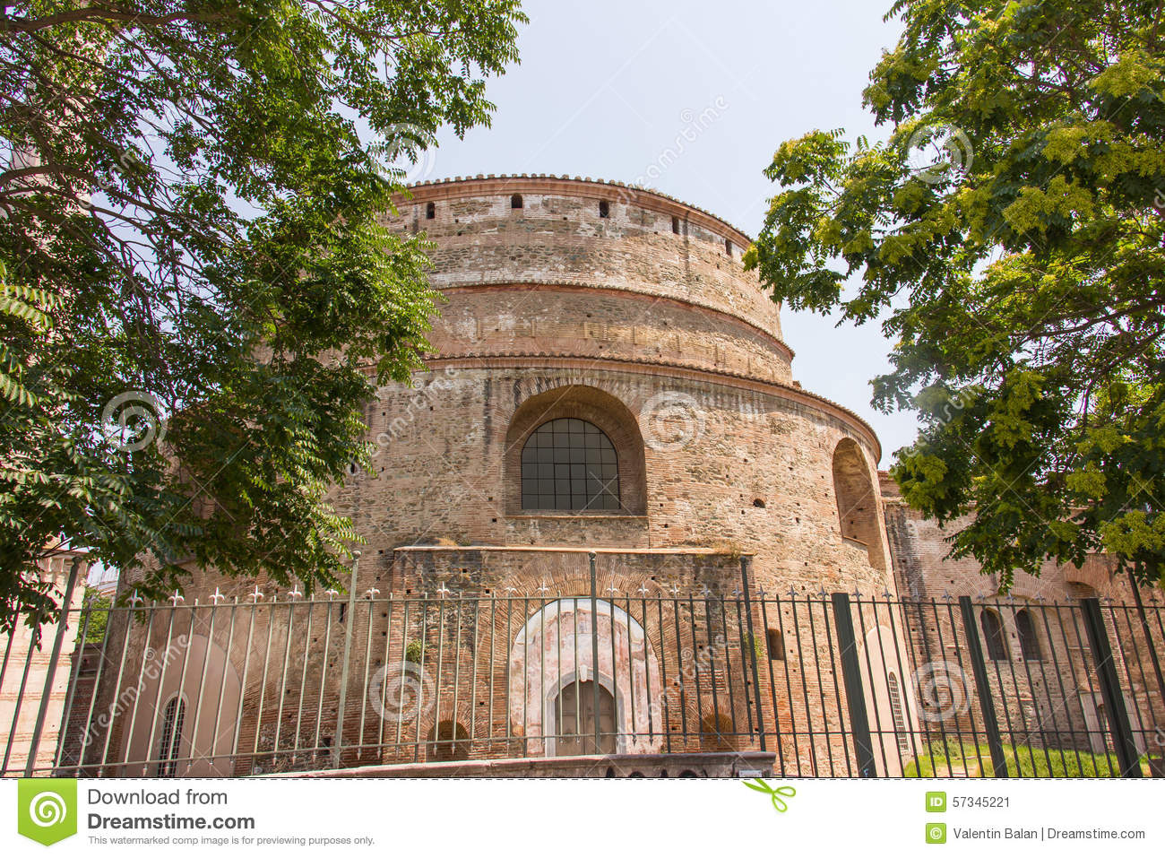 The rotunda is a temple, mausoleum or arbor 88