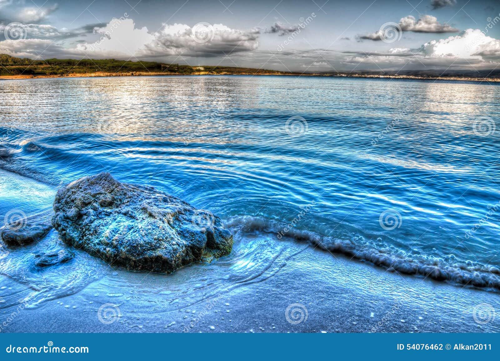 Rots op het zand