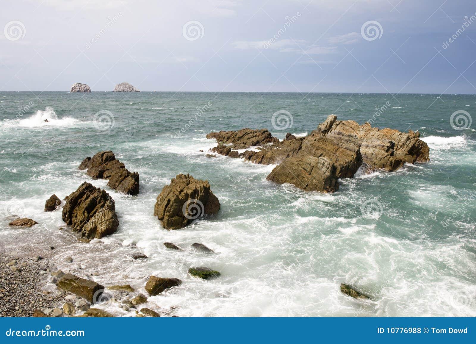 Rotsachtige kustlijn