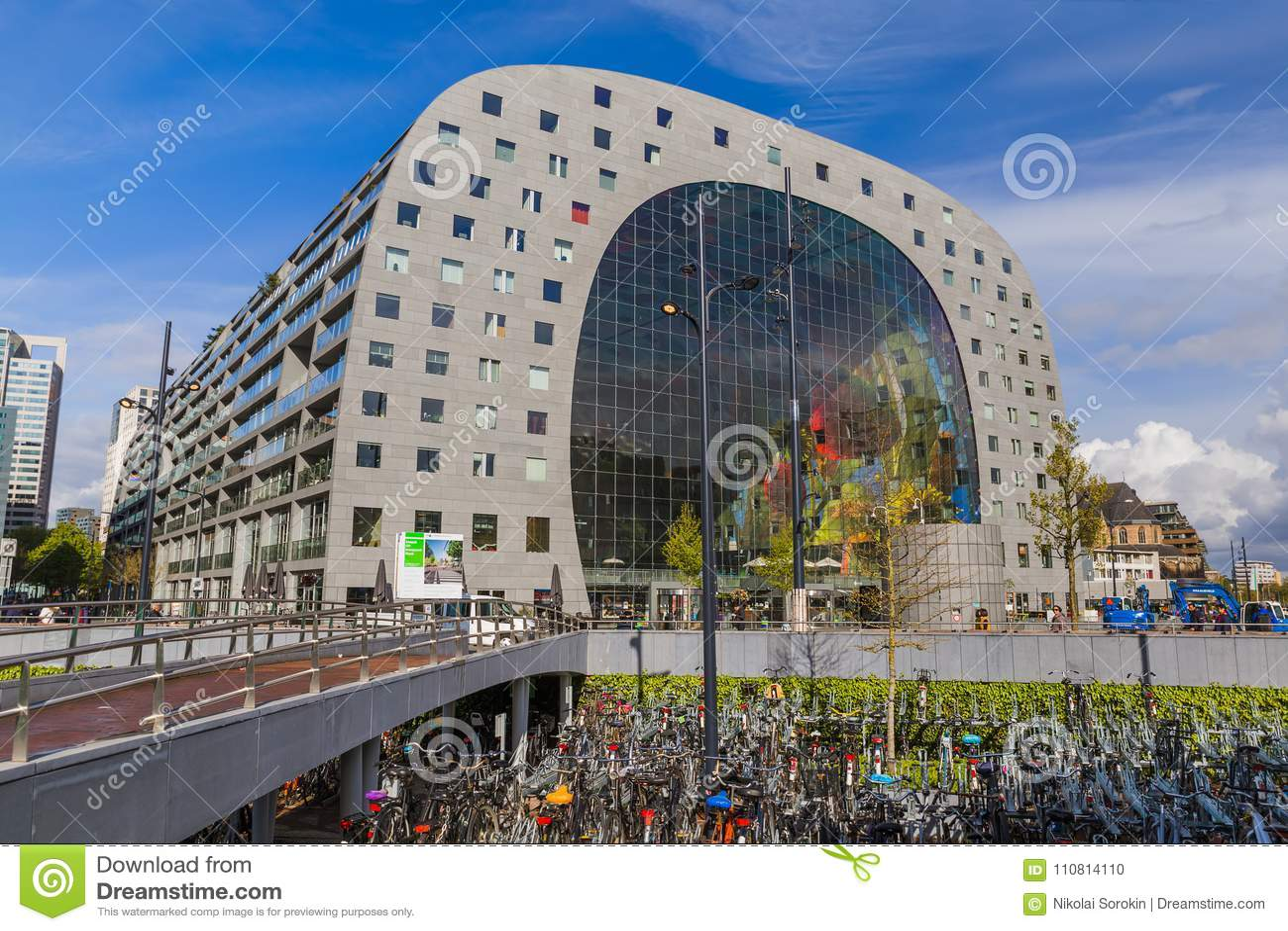 db2f05473e Rotterdam, Paesi Bassi - 27 Aprile 2017: Mercato Moderno Famoso MA ...