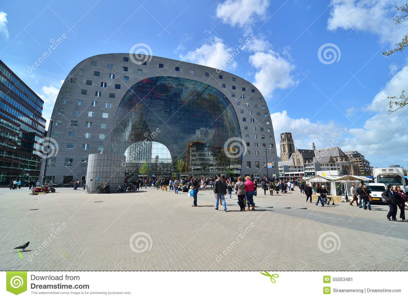 rotterdam pays bas 9 mai 2015 visite markthal de personnes rotterdam photo ditorial. Black Bedroom Furniture Sets. Home Design Ideas