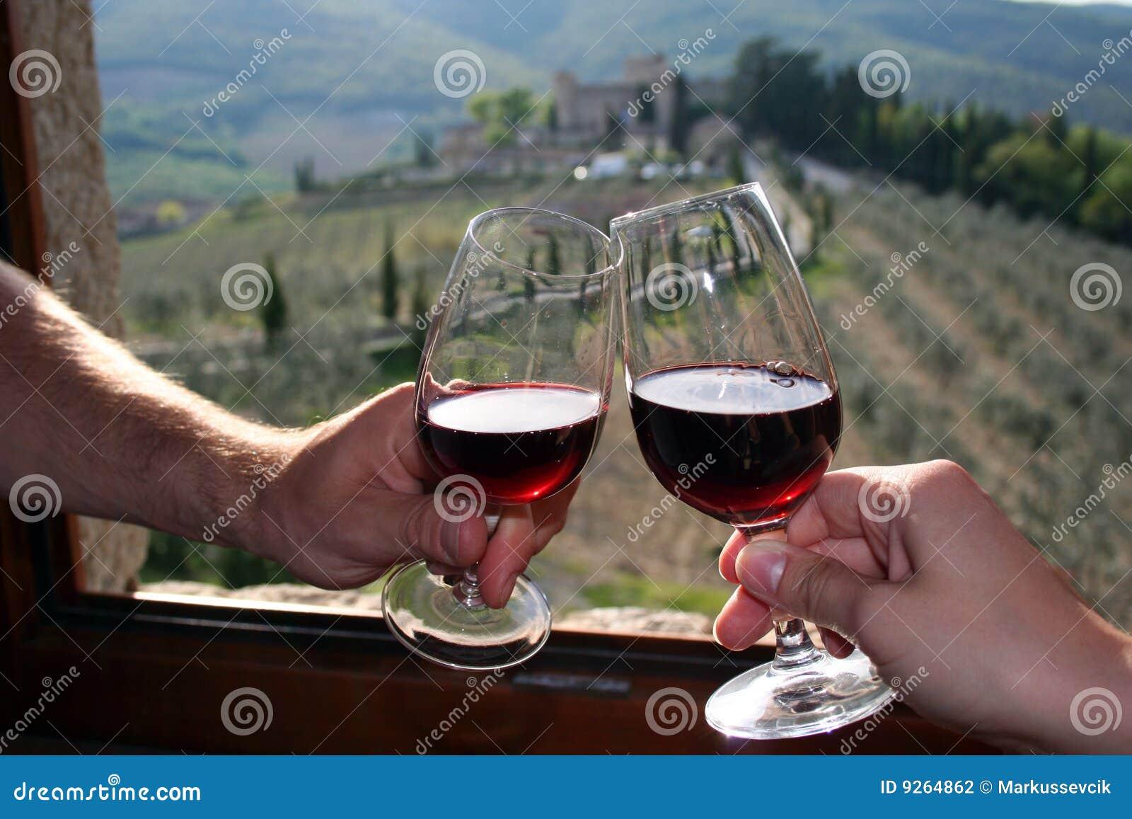 Rotwein in Castello di Meleto in Italien/in Toskana
