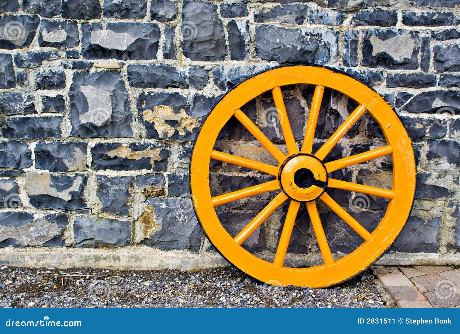 roue de chariot en bois image stock image du chariots. Black Bedroom Furniture Sets. Home Design Ideas