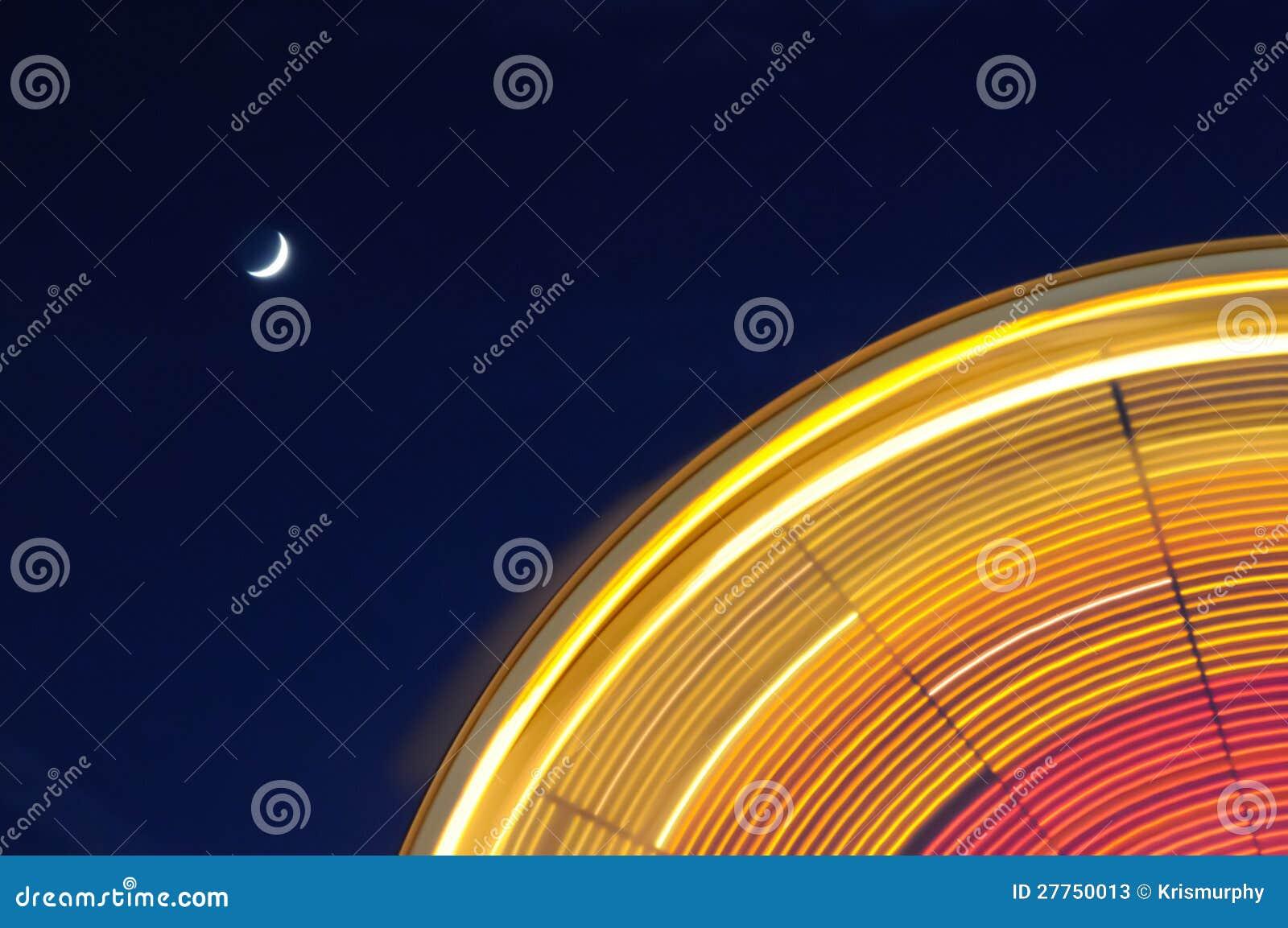 Roue de Ferris avec la lune