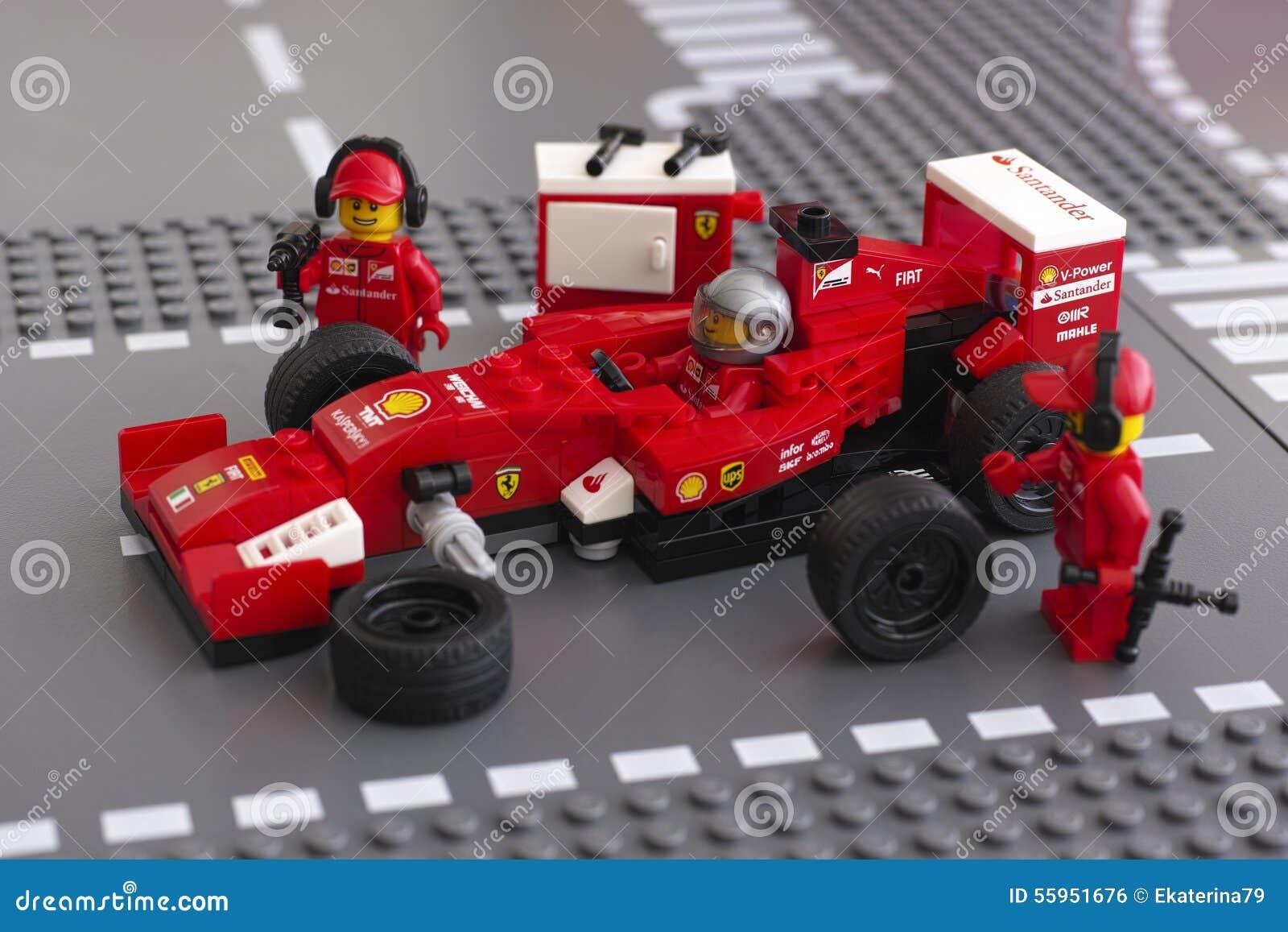 Roue de fixation de voiture de course de ferrari f14 t par - Photo voiture de course ferrari ...