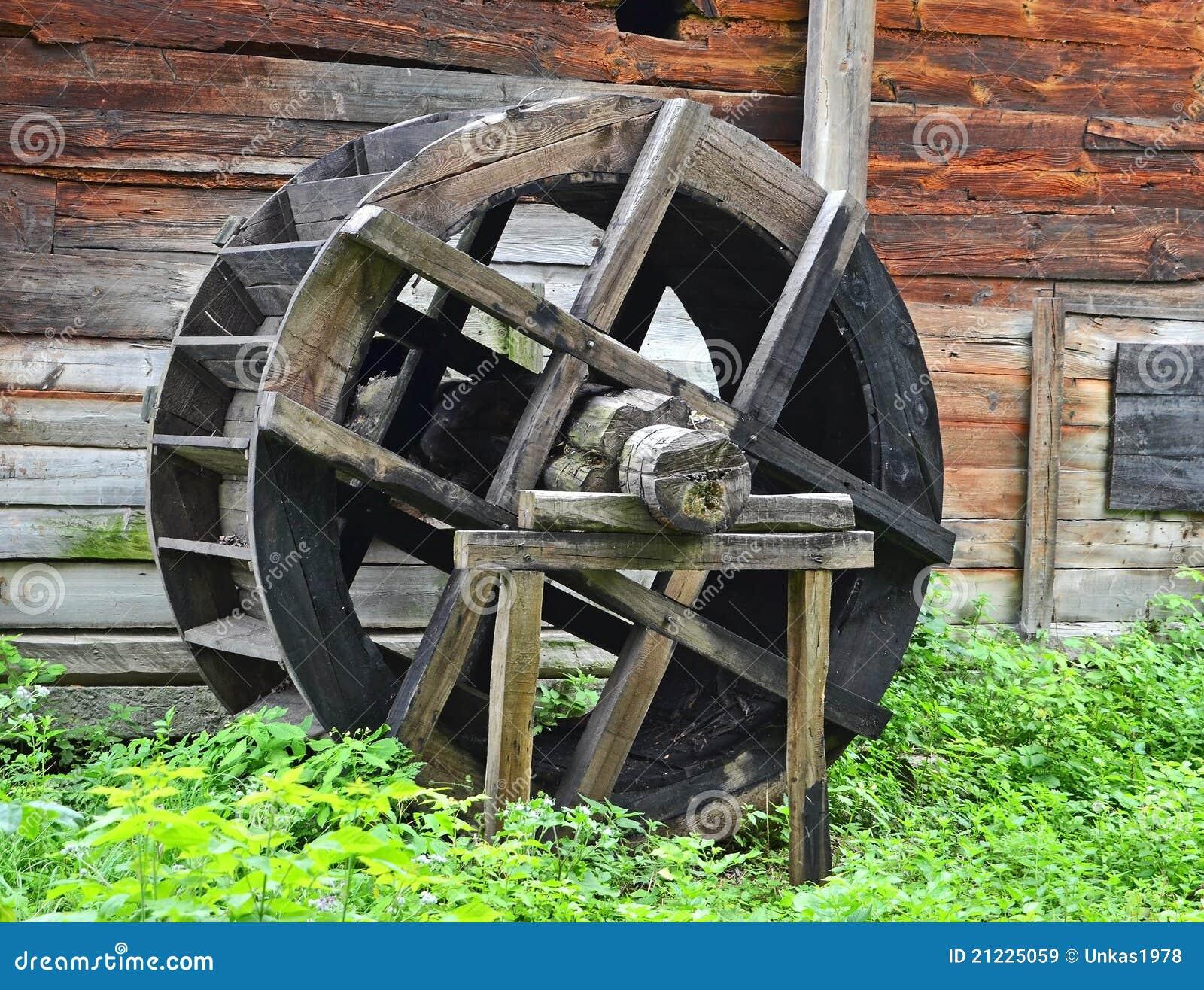 Roue de moulin à eau de cru