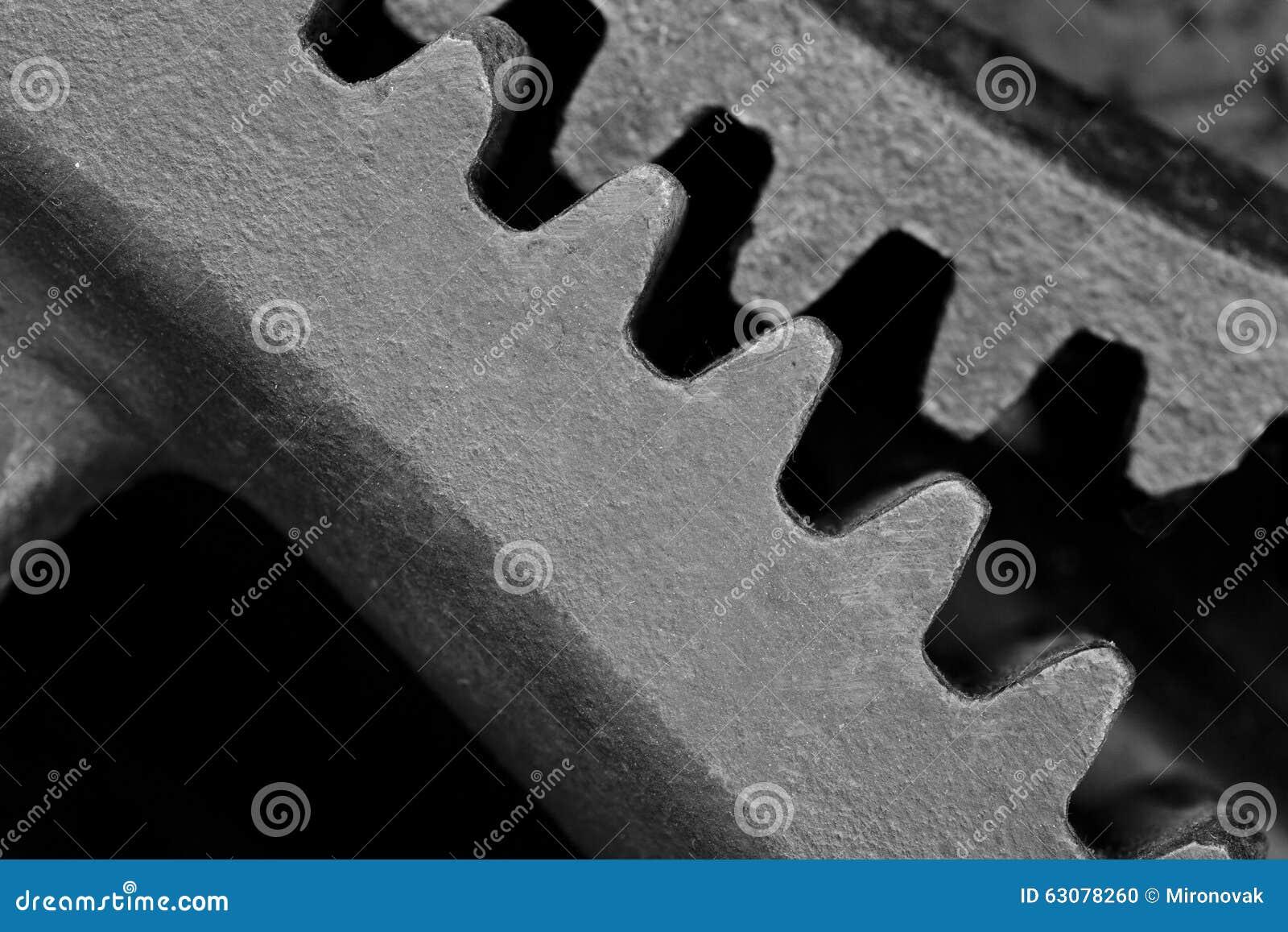 Download Roue dentée en acier noire photo stock. Image du métal - 63078260