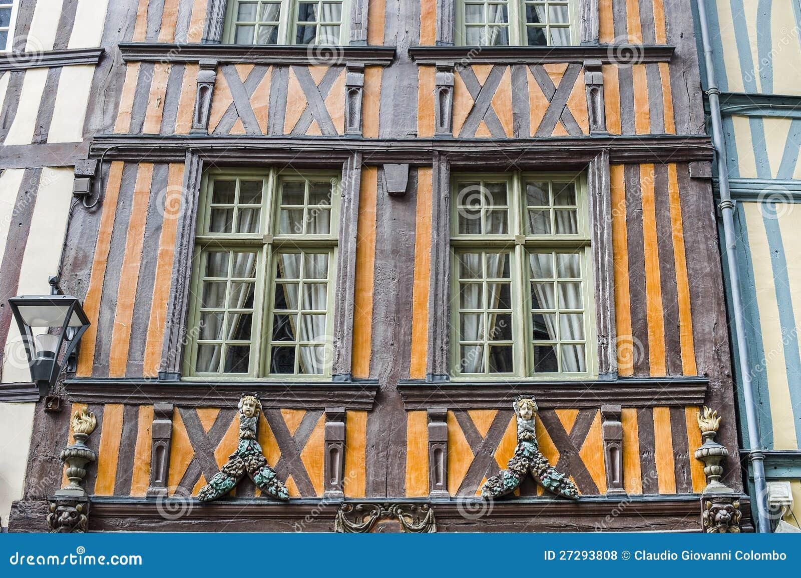 Rouen esterno delle case antiche fotografie stock libere for Fotografie case