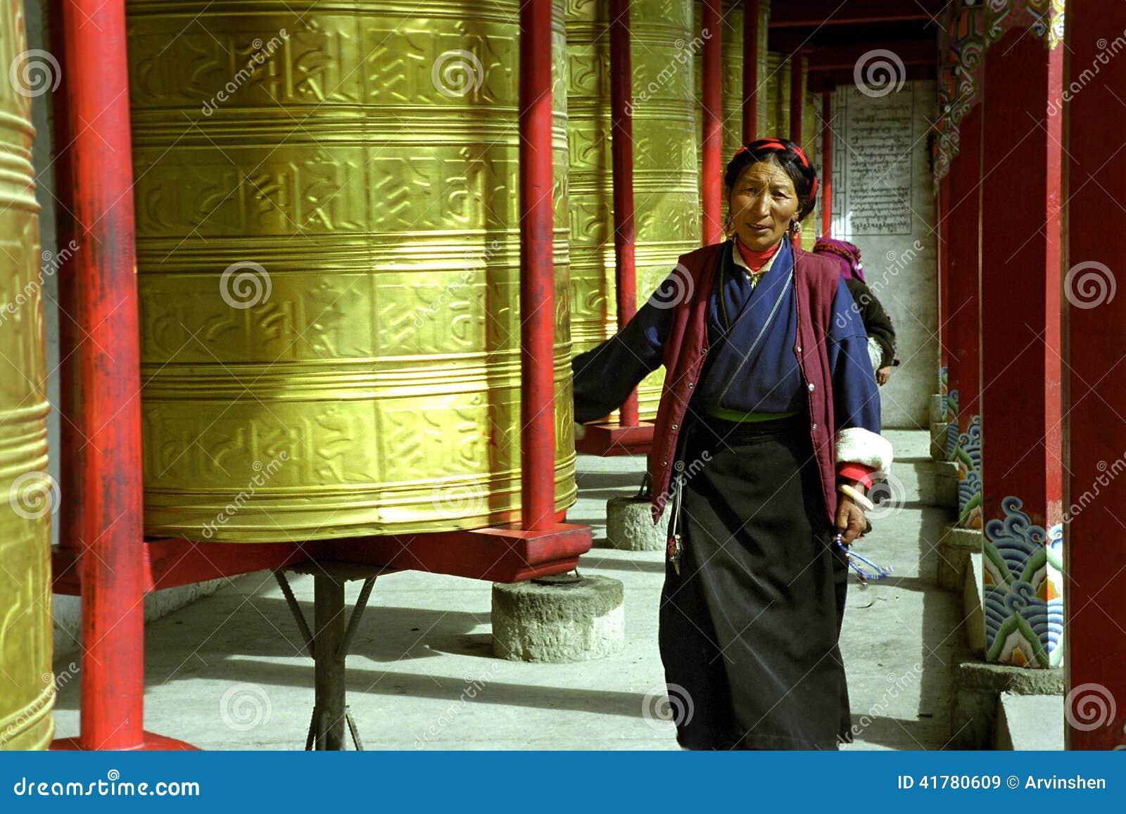 Roues de prière bouddhistes