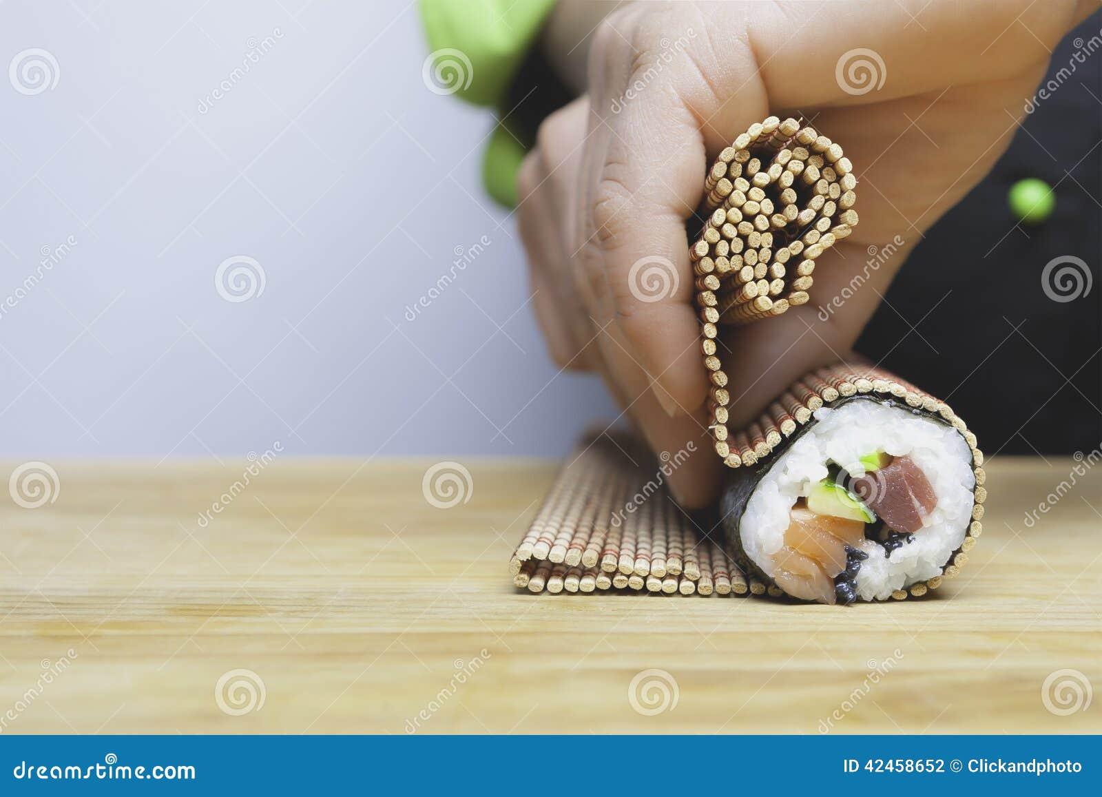 Roulement vers le haut des sushi