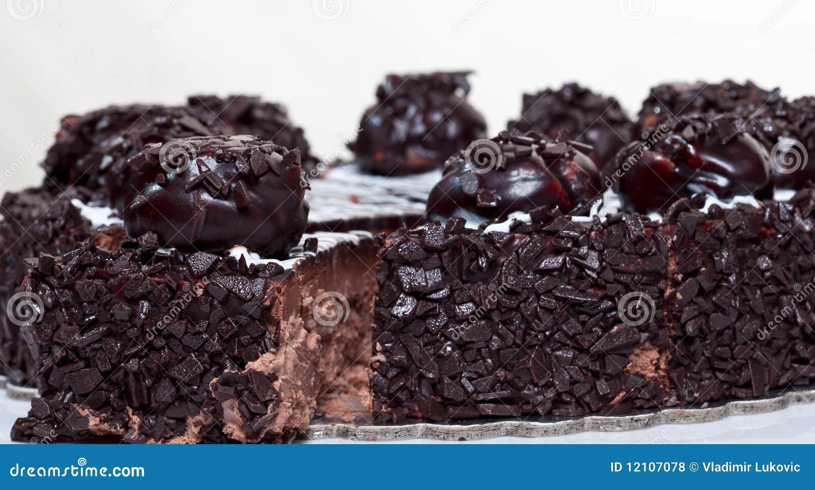 Images Of Round Chocolate Cake : Round chocolate cake stock photo. Image of single ...
