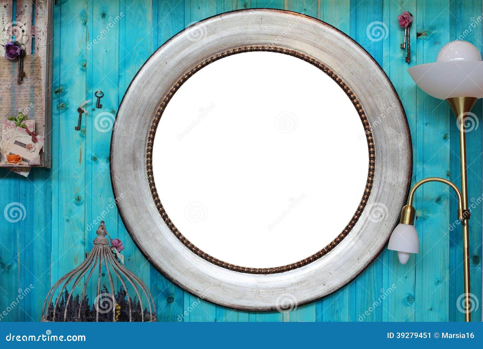 Round Frame in the Interior