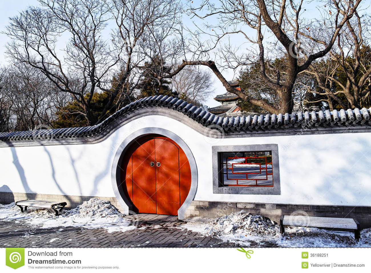 round gate chinese garden stock photos royalty free pictures