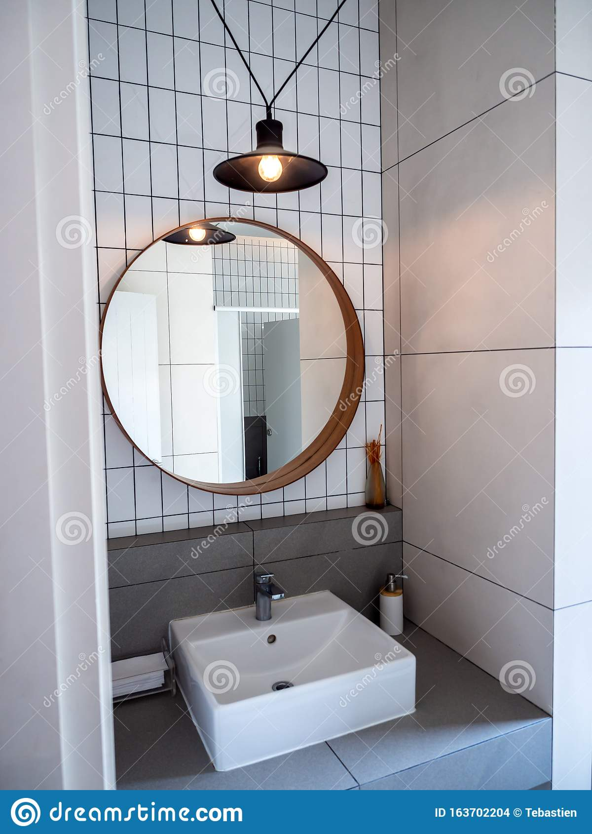 Round Mirror Decoration In White Bathroom Editorial Stock Image Image Of Hygiene Bath 163702204