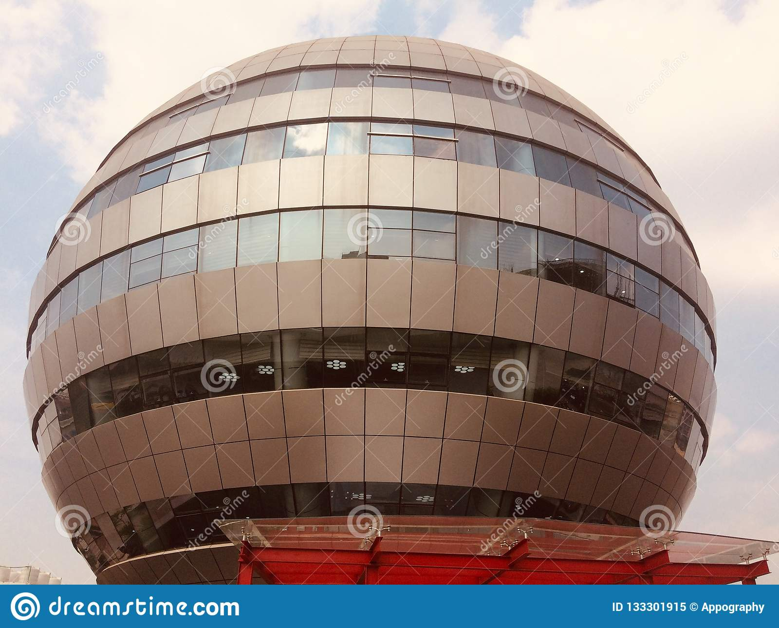 A round shape architectural building