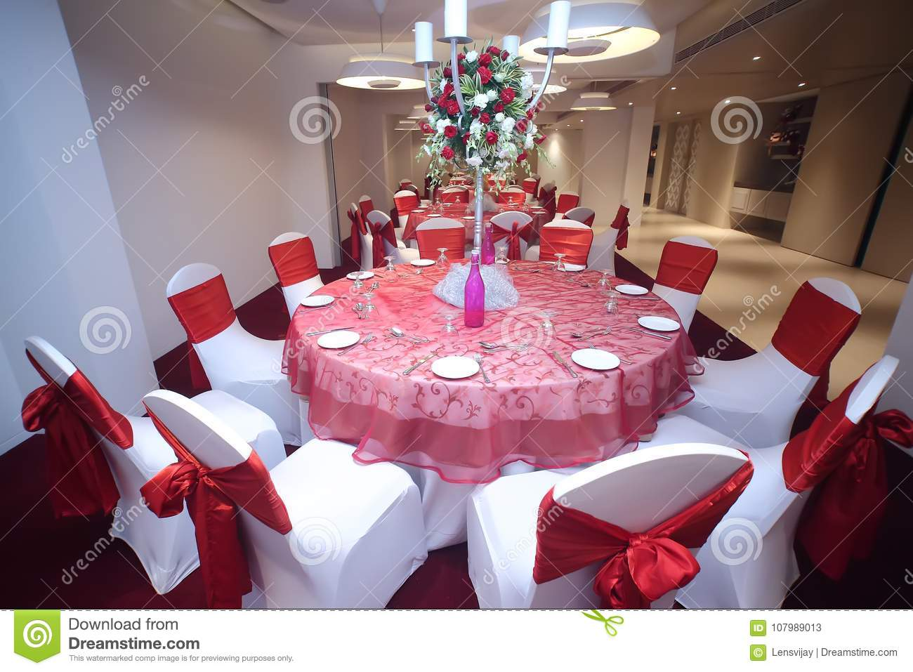 Round table set up party stock image. Image of plate - 107989013