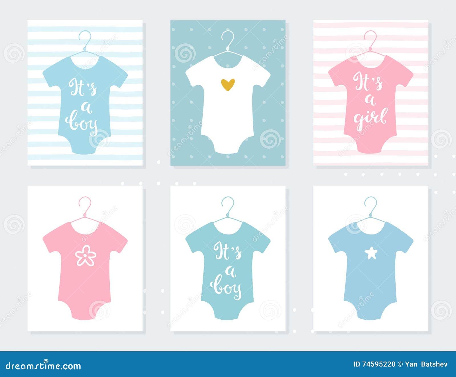 Roupa dos Bodysuits dos bebês em ganchos Cartões do anúncio do bebê É um menino É uma menina Sinais da rotulação da mão