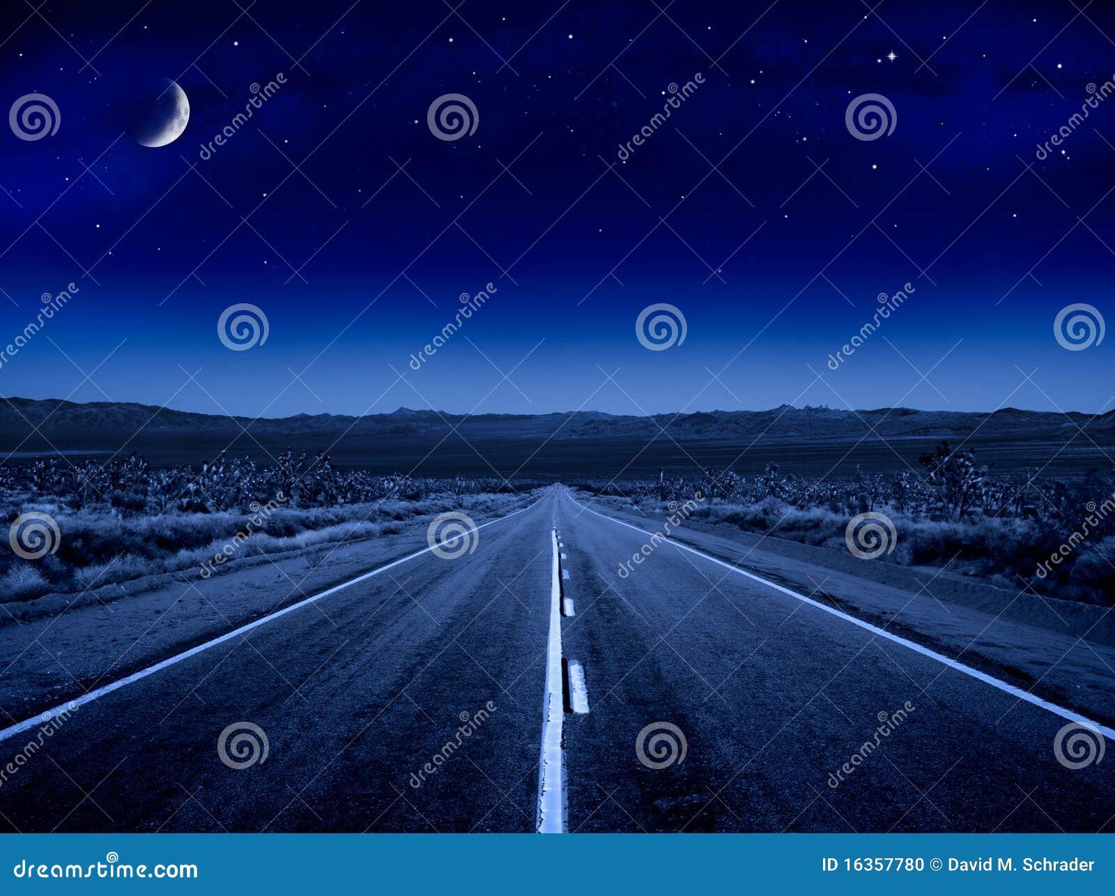 Route étoilée de nuit