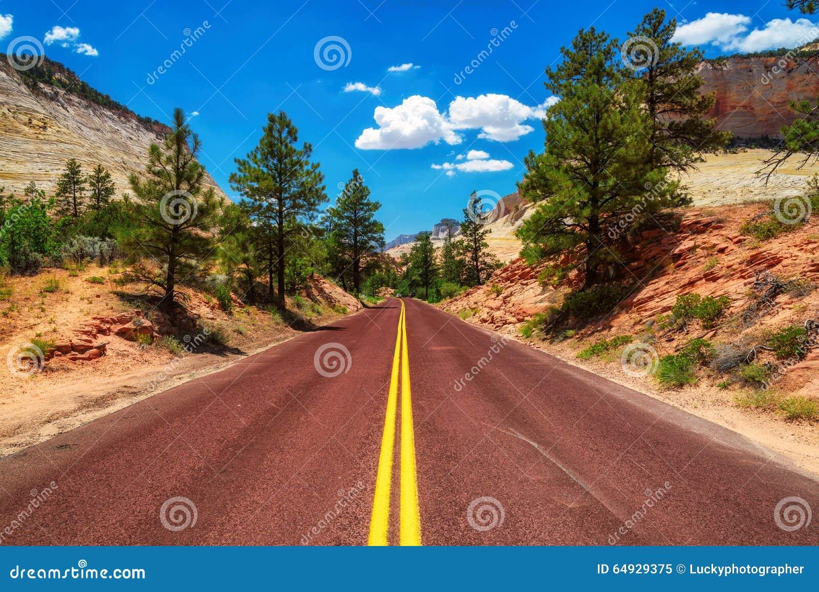 Route américaine en Zion Canyon National Park, Utah