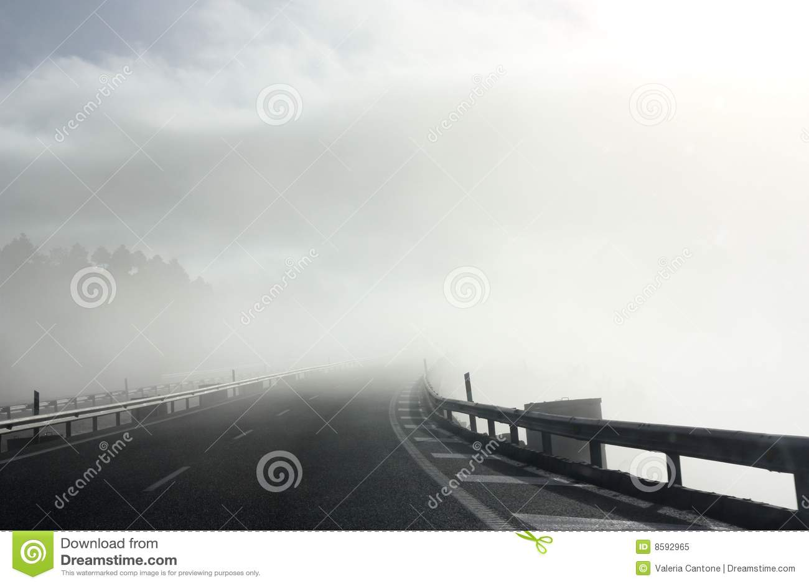 Route brumeuse