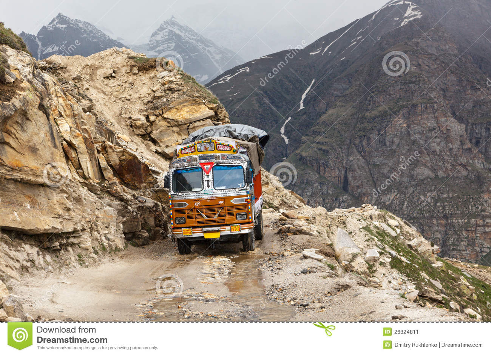 Route de Manali-Leh en Himalaya indien avec le camion