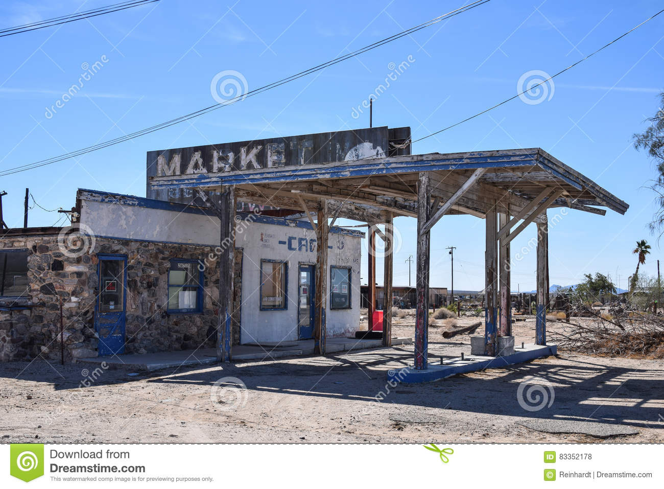Route 66 Essex Abandoned Gas Station Editorial Stock Photo Image Of Cafe Tour 83352178