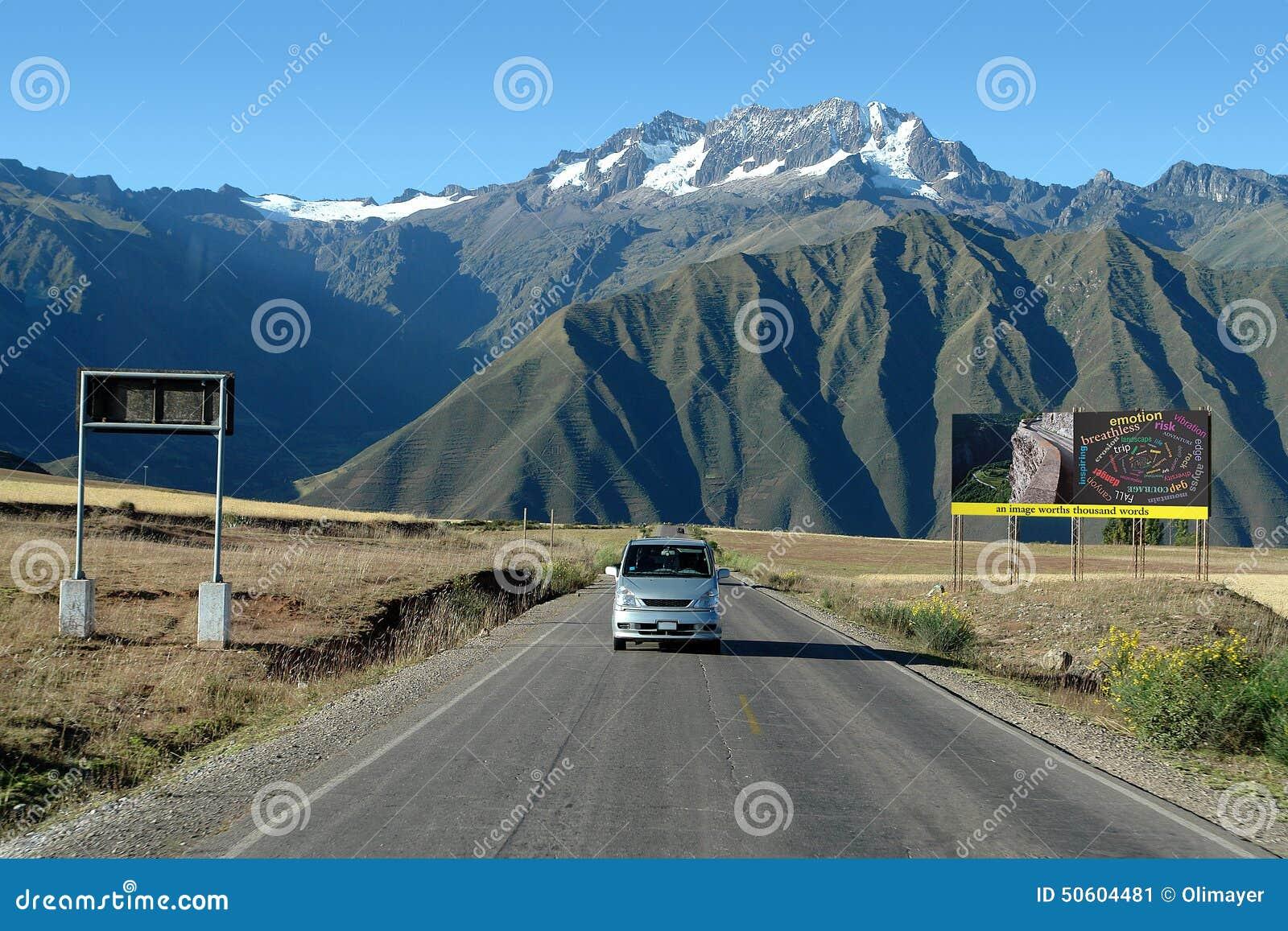 Route près de Cuzco, Pérou