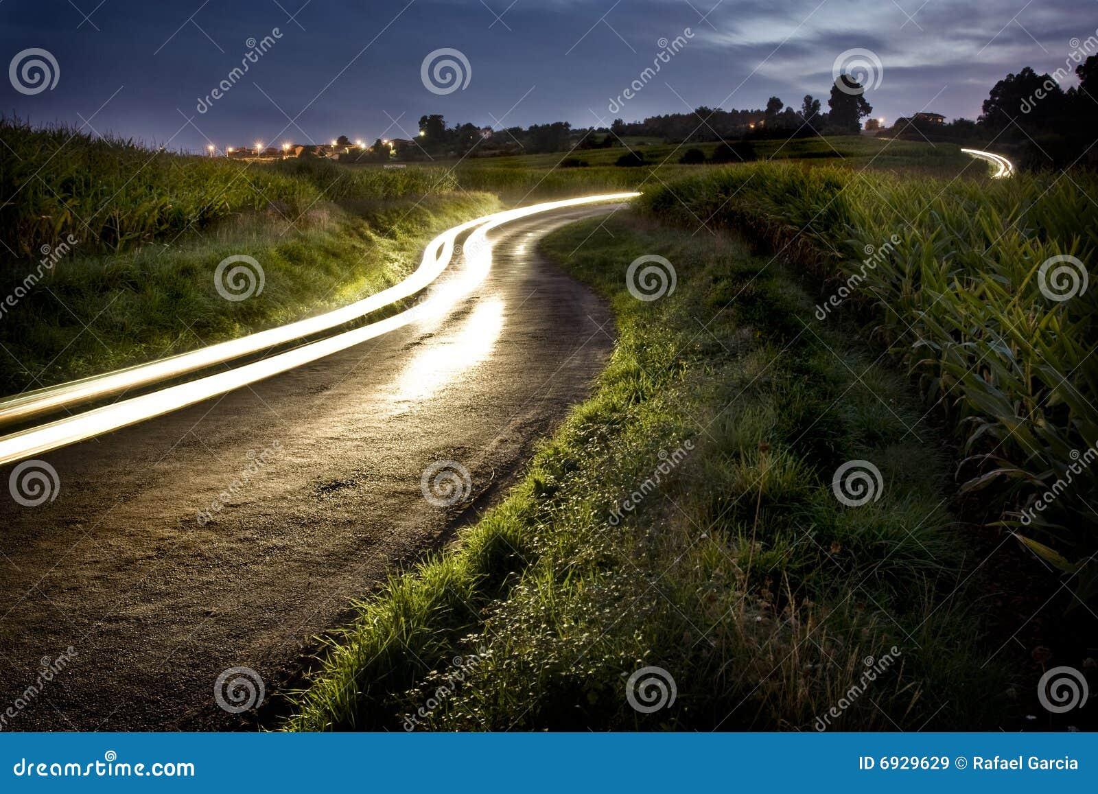Route rurale de nuit