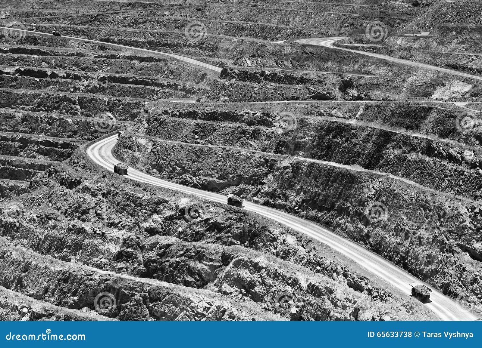 Route superbe de mur de mine de WA
