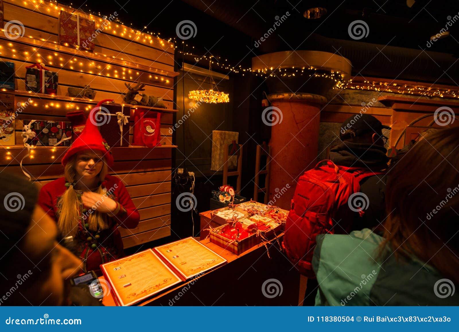 Rovaniemi - 16 December, 2017: Santa Claus-dorp van Rovaniemi,