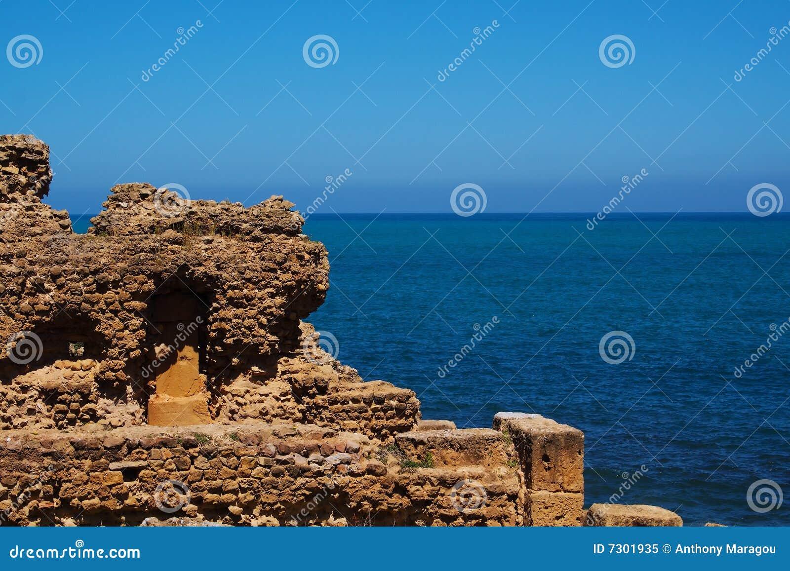 Rovina dal mare in Tipasa, Algeria