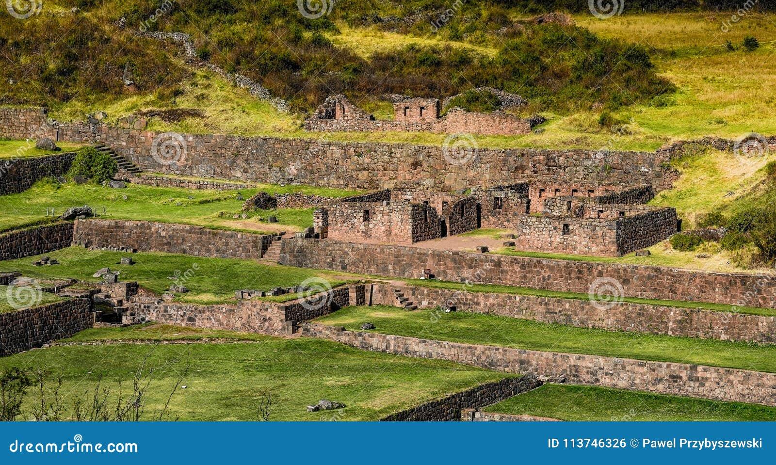 Rovine antiche di Tipon in Cusco Perù