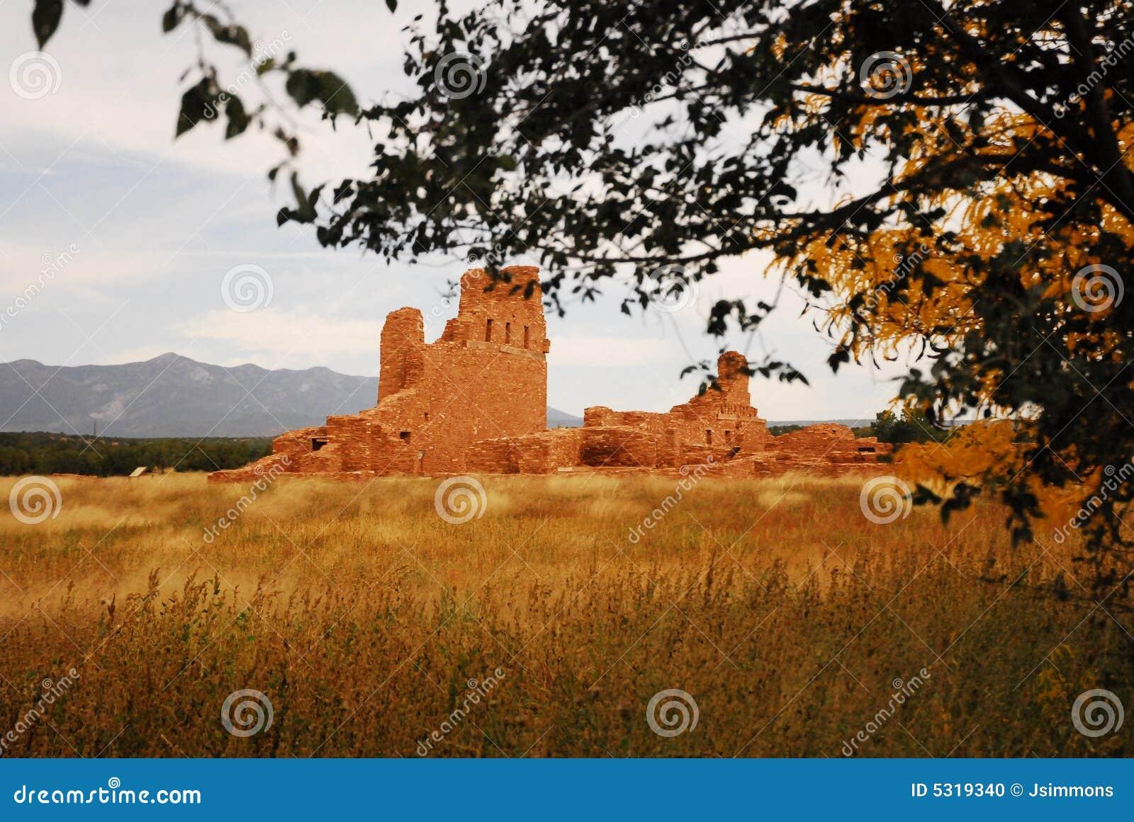 Download Rovine del Abo fotografia stock. Immagine di naturalness - 5319340