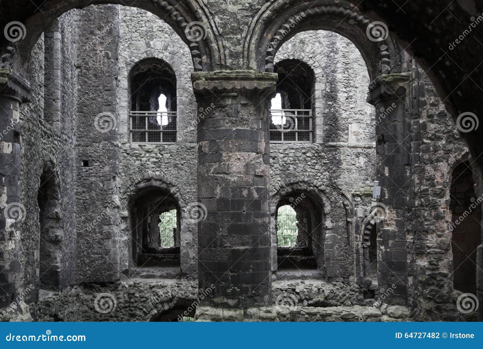 Rovine del XII secolo del castello di Rochester Castello e rovine delle fortificazioni Risonanza, Inghilterra sudorientale