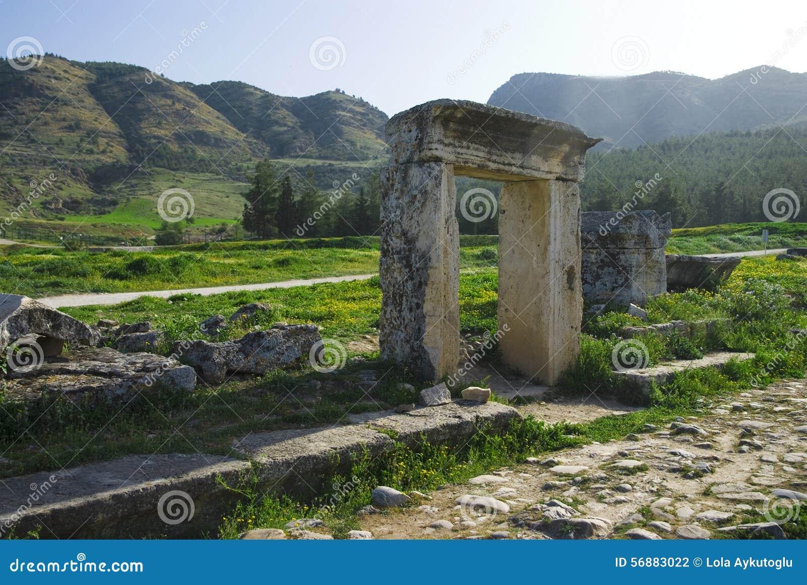 Rovine della città antica di Hierapolis