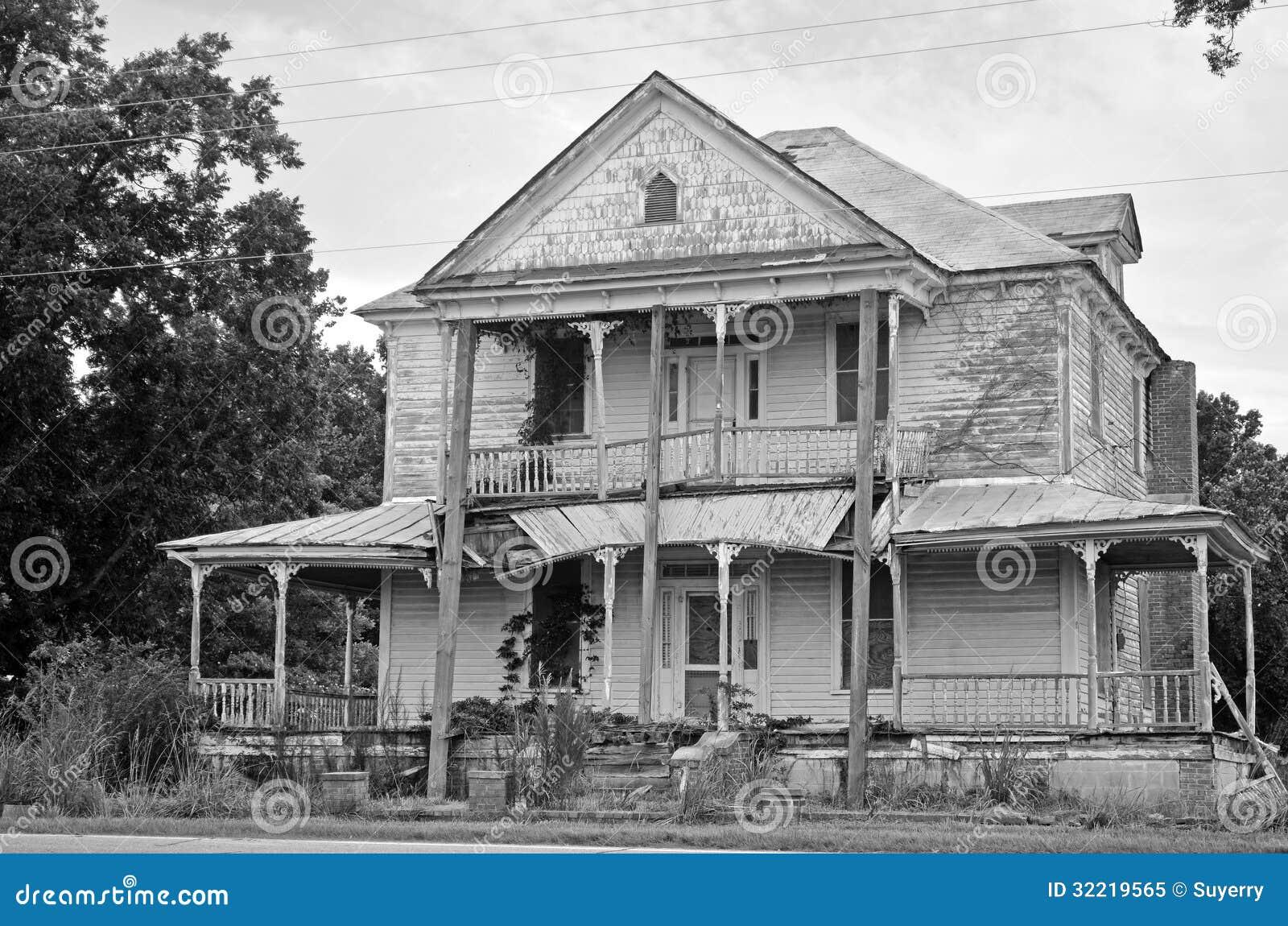 Rovine di una casa coloniale americana della camera for Programma di disegno della casa libera