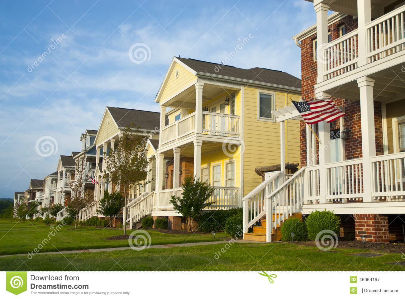 Sensational Row Of Houses In A Mid America Suburb Stock Photo Image 46064197 Largest Home Design Picture Inspirations Pitcheantrous
