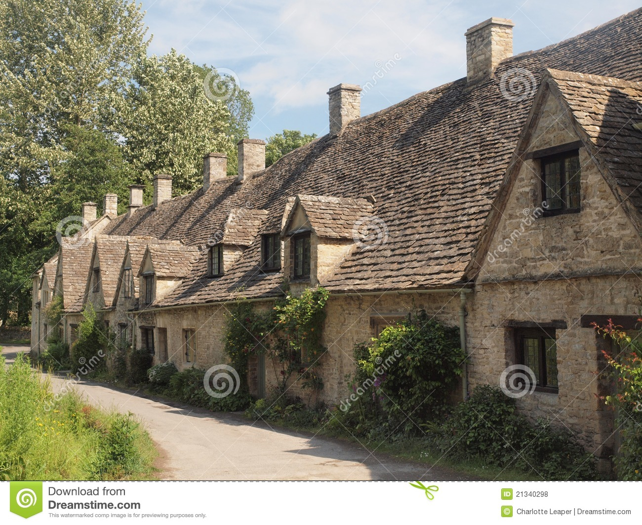 Row Of Traditional English Cottages Royalty Free Stock
