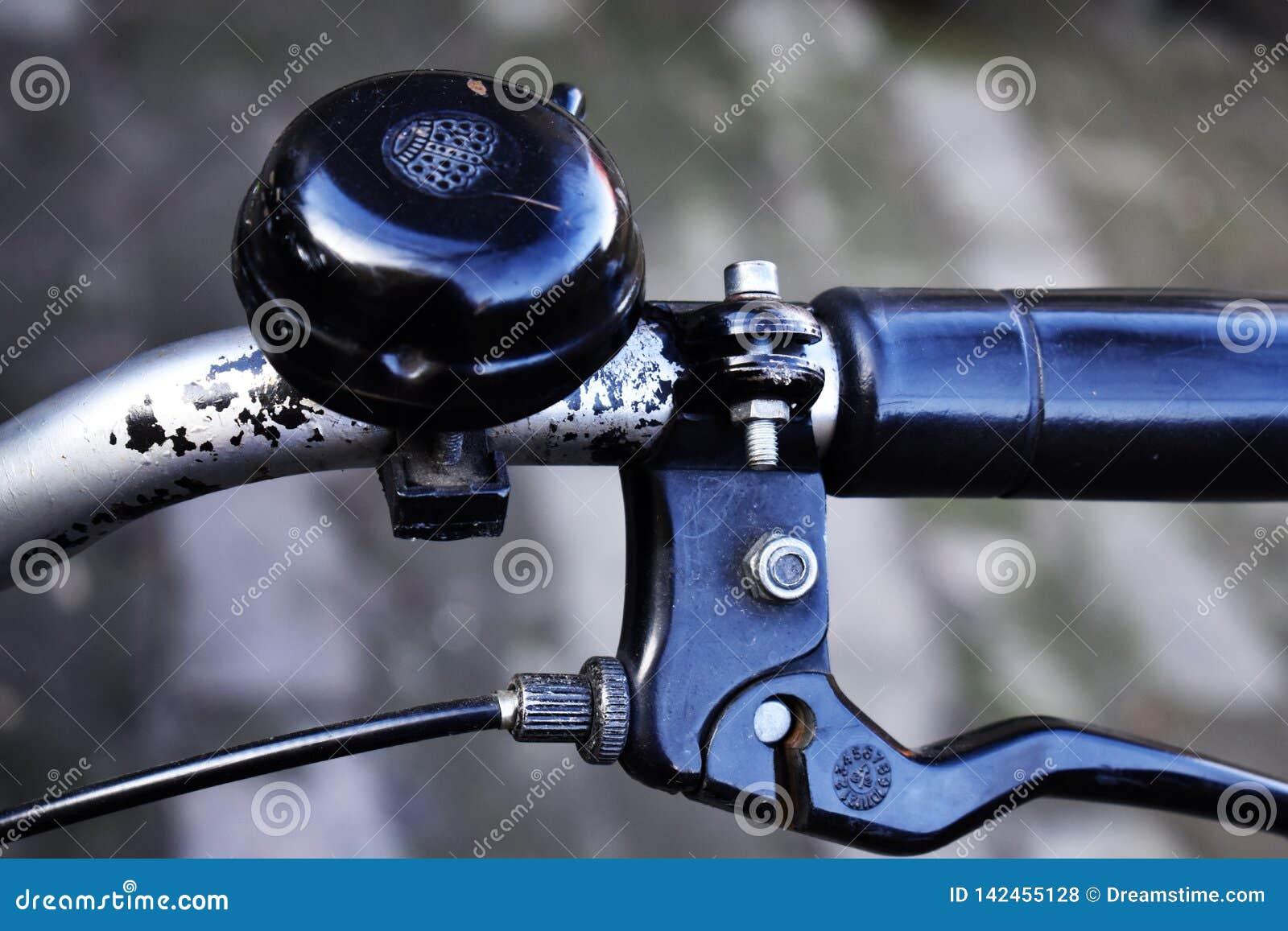Rowerowa rękojeść, dzwon i hamulec,