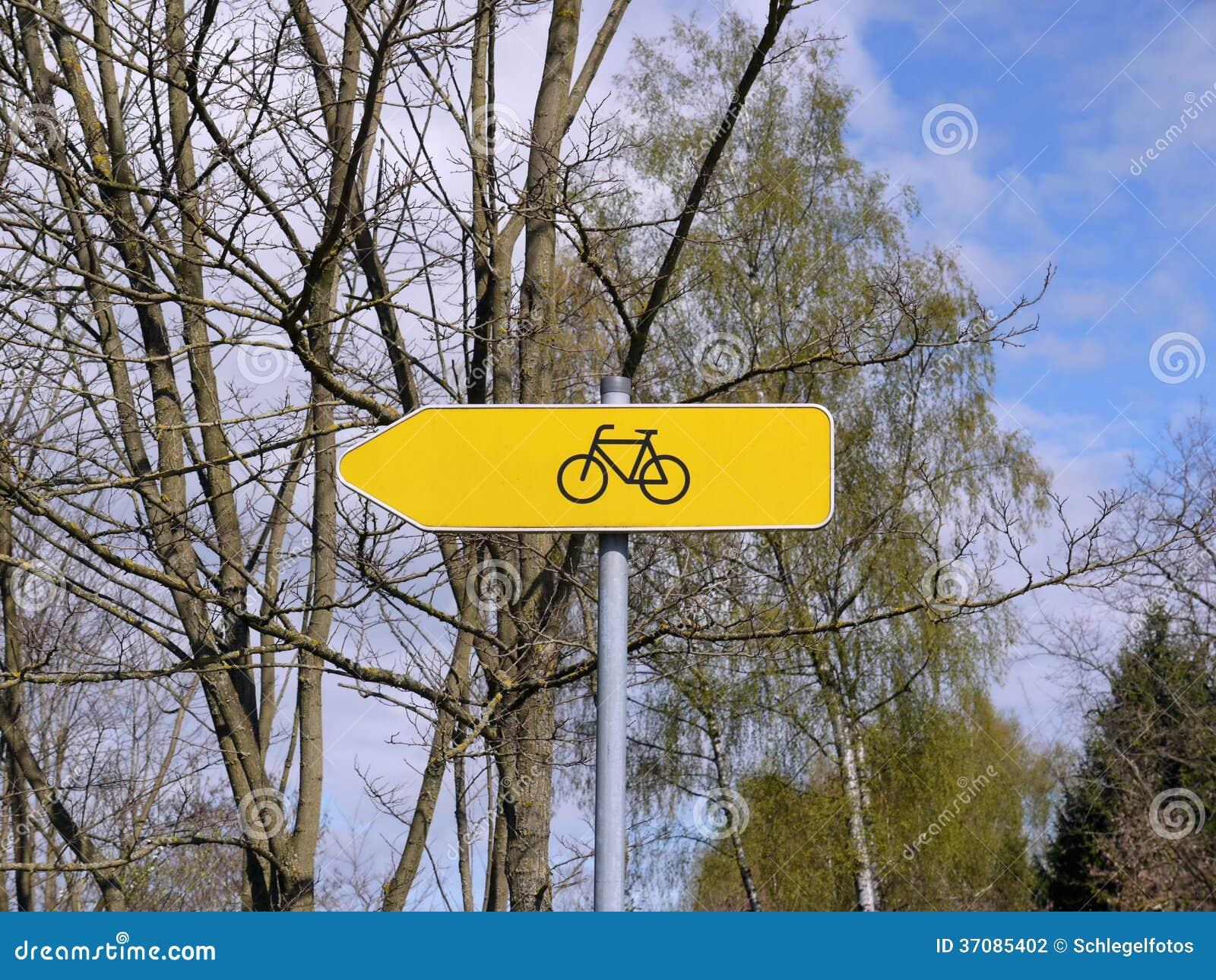 Download Rowerowy Trasa Koloru żółtego Znak Zdjęcie Stock - Obraz złożonej z target156, tło: 37085402