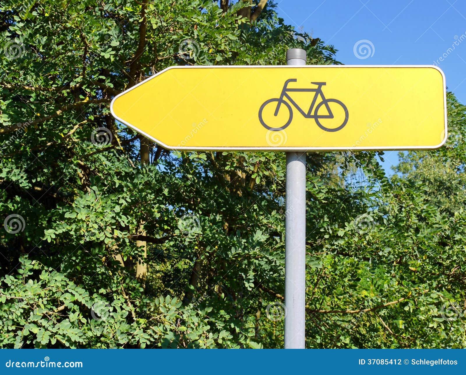 Download Rowerowy Trasa Koloru żółtego Znak Zdjęcie Stock - Obraz złożonej z znak, plenerowy: 37085412