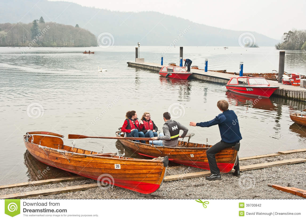 Rowing At Bowness On Windermere Editorial Photography