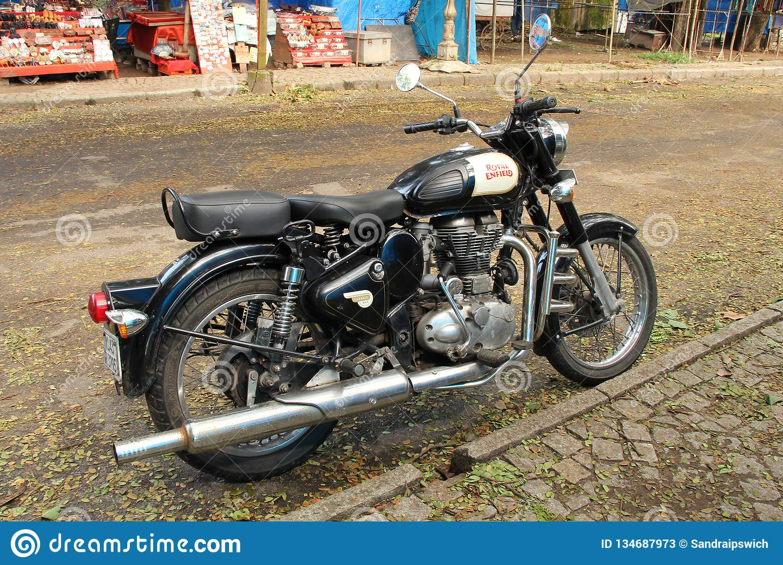 2 119 Royal Enfield Photos Free Royalty Free Stock Photos From Dreamstime ✅ scegli la consegna gratis per riparmiare di più. https www dreamstime com royal enfield bullet royal enfield indian motorcycle manufacturing brand tag oldest global motorcycle brand image134687973