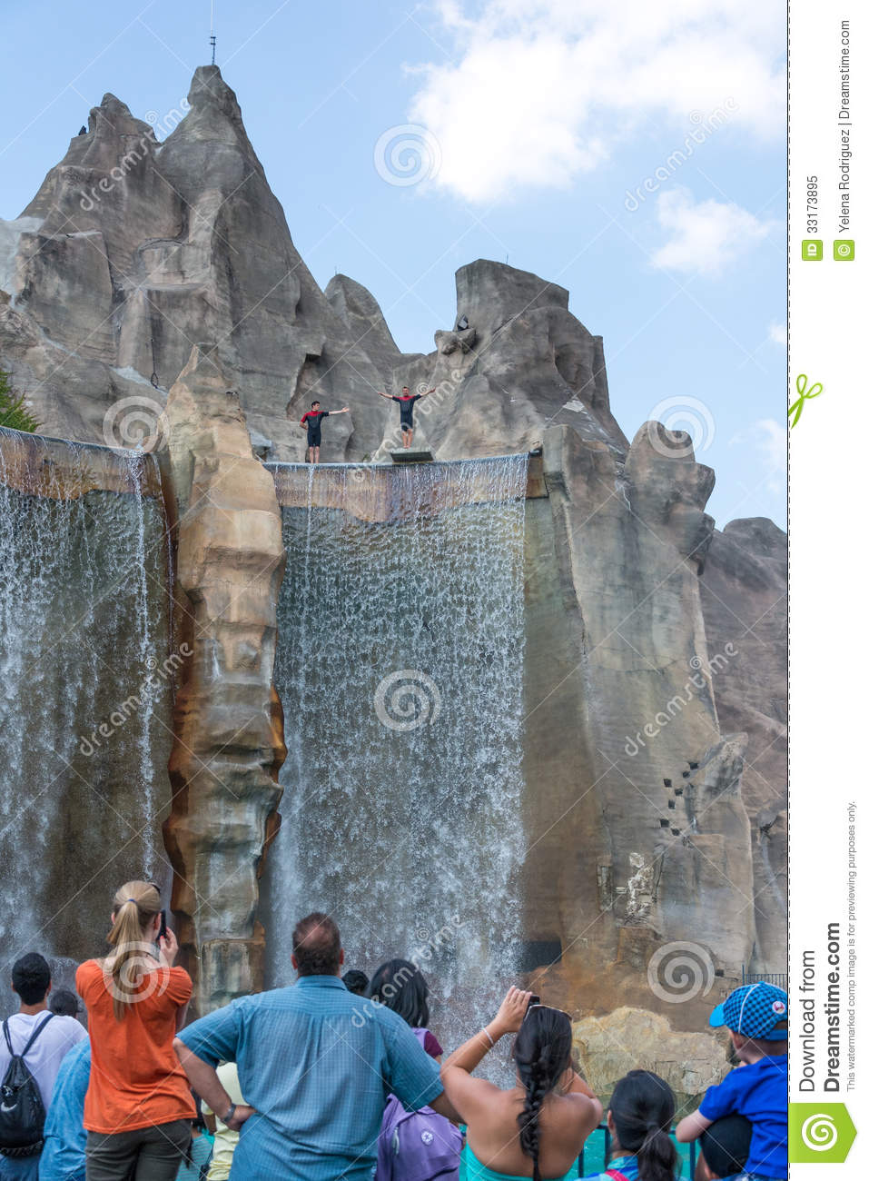 Royal Fountain And Wonder Mountain In Canada S Wonderland